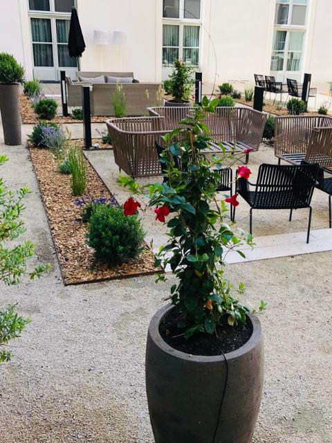 Flora Concept-Intercontinental Marseille Patio